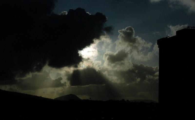 20080406- Hawaii 10- Nikon Sunrise and Room pics DSC_2271.jpg