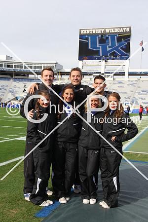 2014-11-8-Georgia Cheerleaders -Seniors & squad