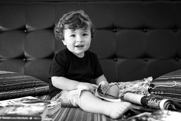 JOSHUA 2 YEARS OLD - BLACK & WHITE - SHARING