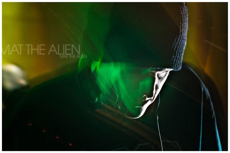 bse mat the alien kutz april 2011 560 seymour-2.jpg