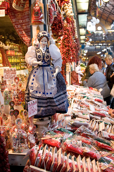 Back in the market hall, hungarian dolls, paprika bags and other traditional food