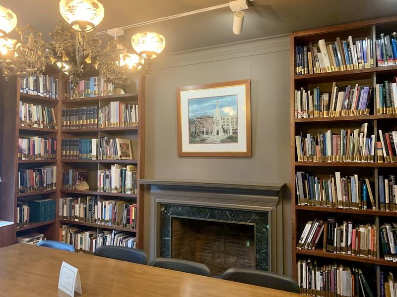 Landers_House_Library.jpg