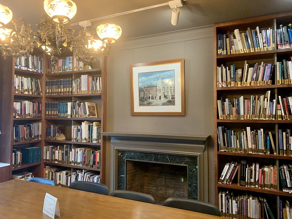 Landers_House_Library