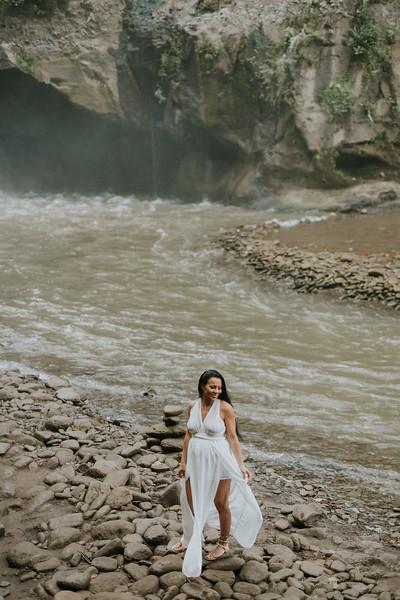 VTV_family_photoshoot_with_waterfall_Bali (29).jpg