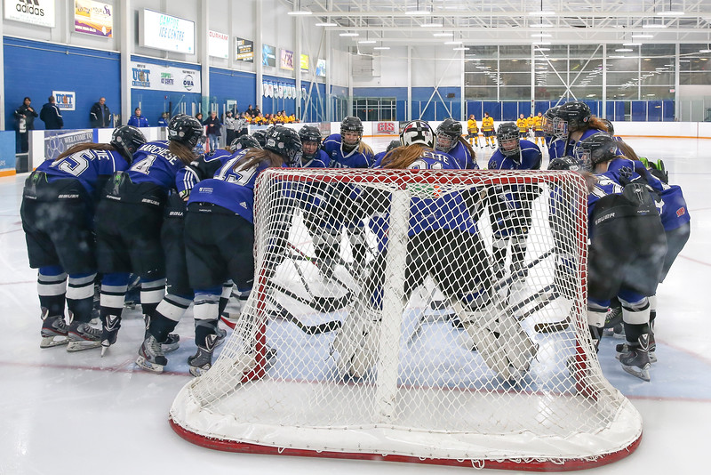 20150129 QWHockeyatUOIT 1002.JPG