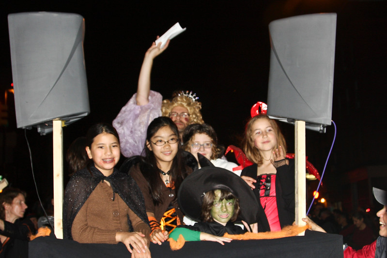 09.10.31 Halloween.PSCC. Paradef-10-16.jpg