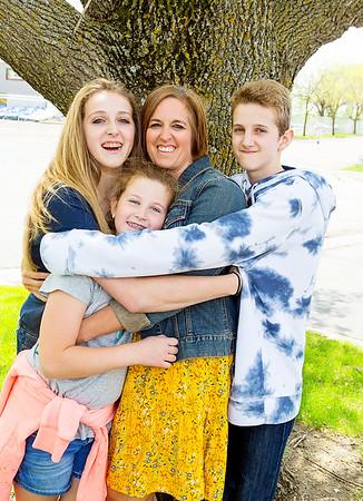 Salzer Family 5-18
