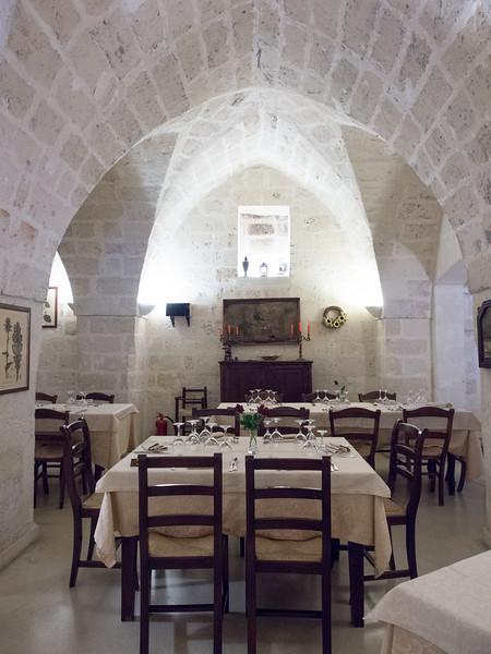 torrevecchio dining room 2.jpg