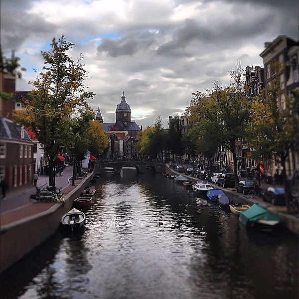Life on the canal, autumn in Amsterdam #dream #travel