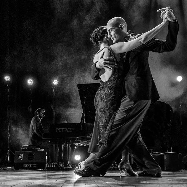 tango-3.jpg