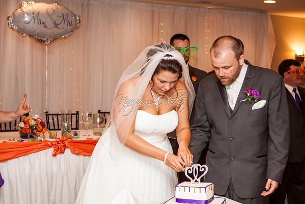 Cake Cutting - Sara and Brady