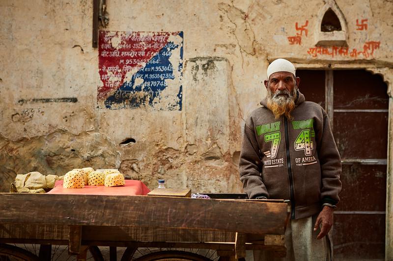 Emily-Teague-Street-India 4.jpg