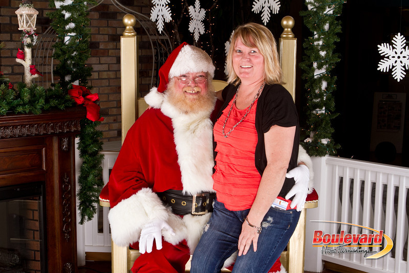 Santa Dec 8-230.jpg