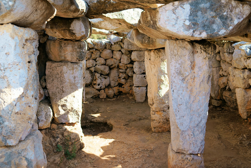 08_19 mahon ruins interiorDSC04592.JPG