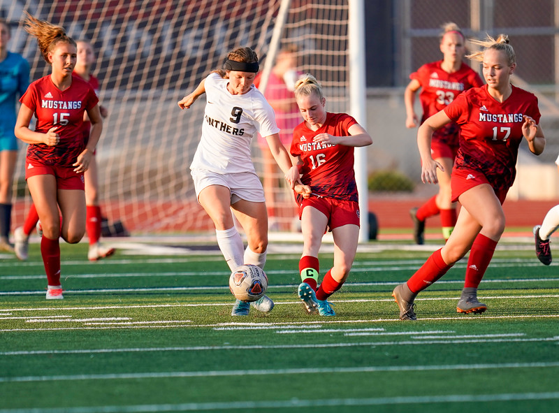 CCHS-vsoccer-pineview0352.jpg