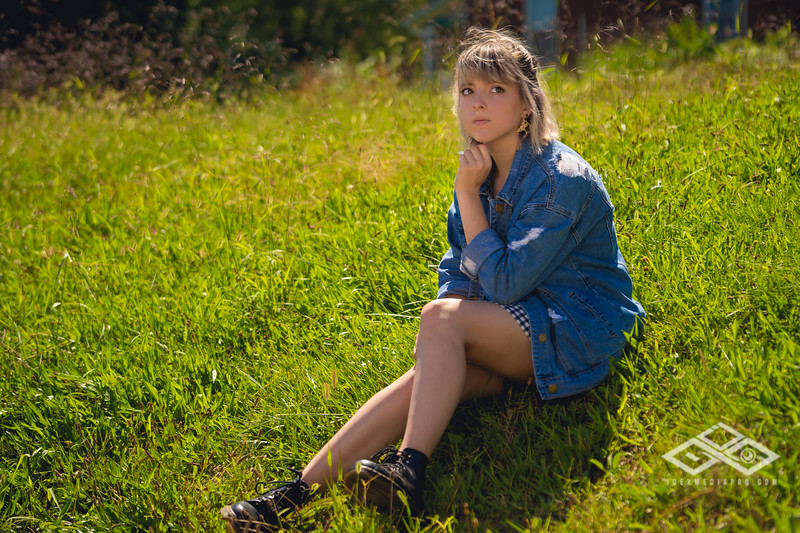 Hannah Senior Portrait-03378.jpg
