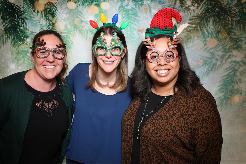 2019UniversityOfChicagoLawSchoolHolidayParty21.jpg