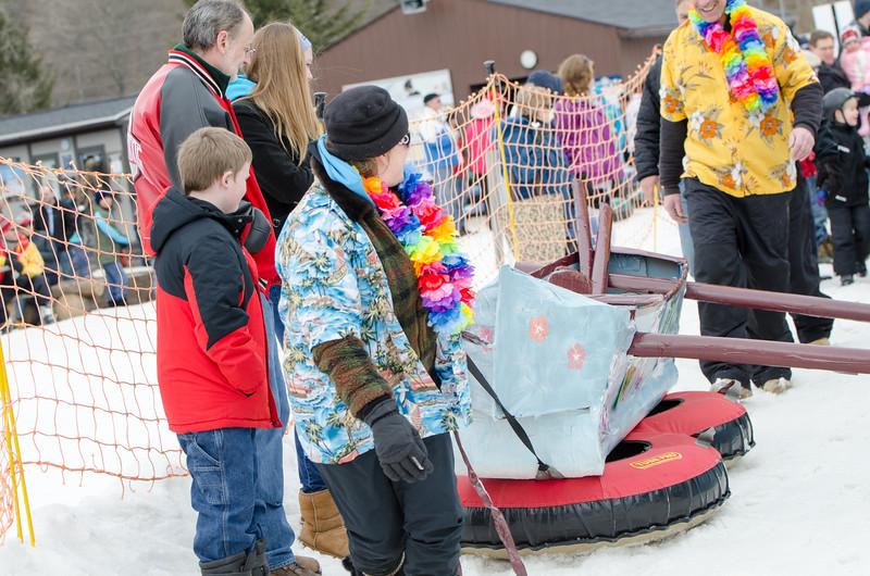 Carnival-Sunday-2014_Snow-Trails_0300.jpg