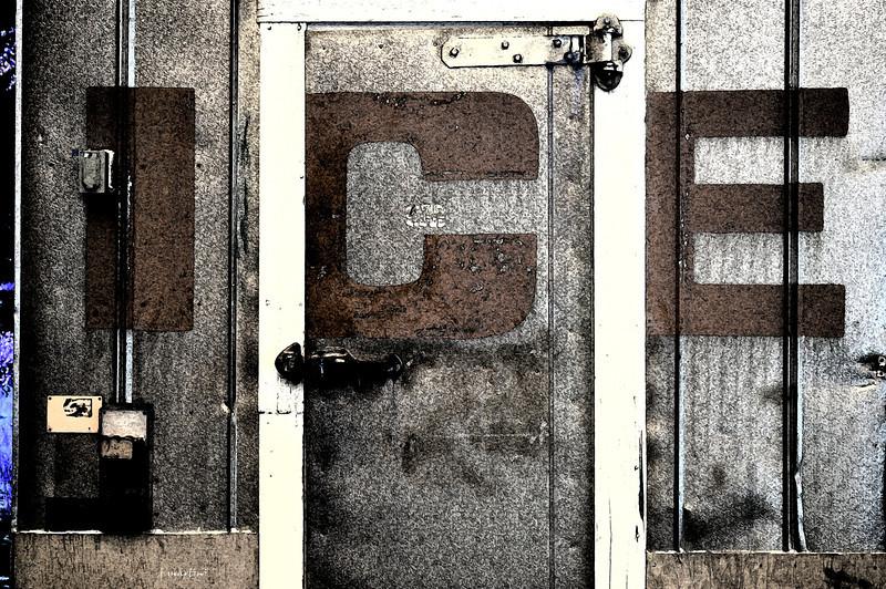 ice locker 7-30-2011.jpg