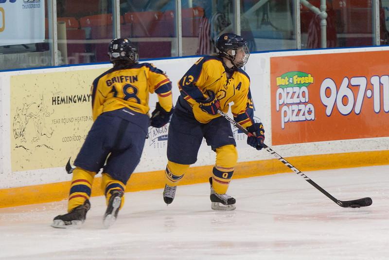 20130310 QWHockeyvsUBC 574.jpg