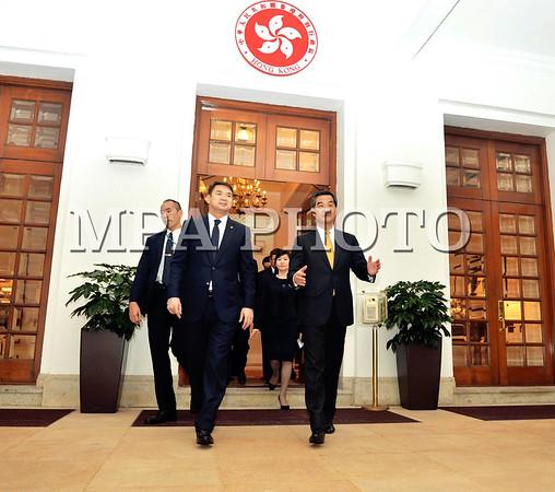 Ерөнхий сайт Ч.Сайханбилэг Азийн хөрөнгө оруулалтын чуулга уулзалтад оролцож байна
