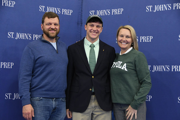 Spring National Letter of Intent (NLI) Ceremony