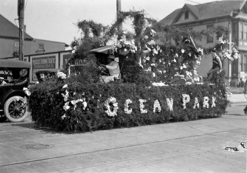 Ocean Park float in the parade of La Fiesta de Los Angeles, 1915