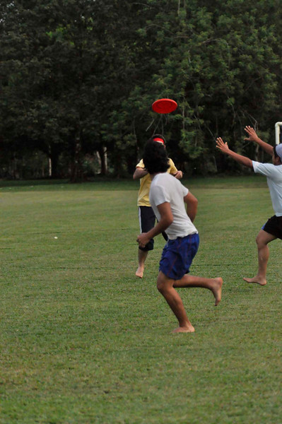 042409Ultimate Frisbee @ EARTH087.jpg