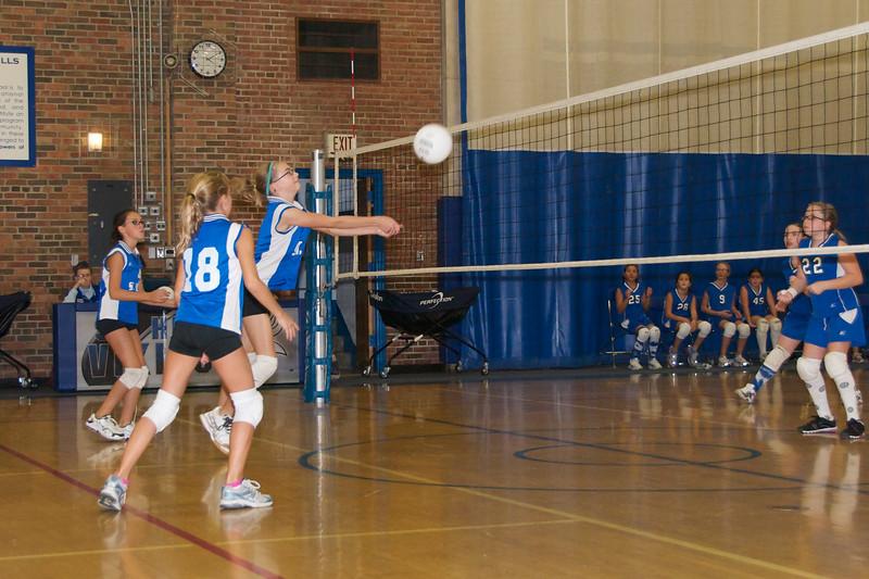 Hugo 5th Grade Volleyball  2010-10-02  12.jpg