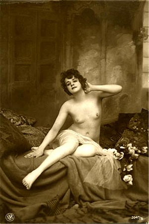 nude10.jpg