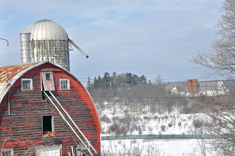 Red Barn on Hwy.jpg
