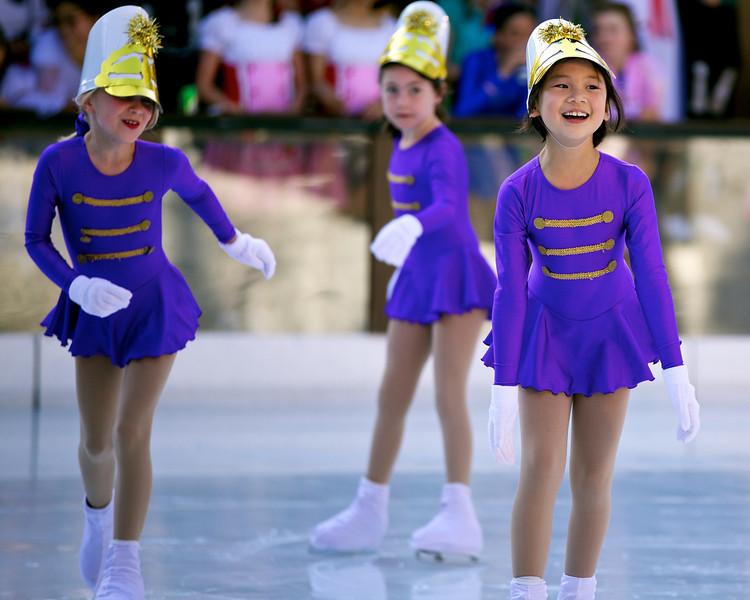Skating  10038.jpg