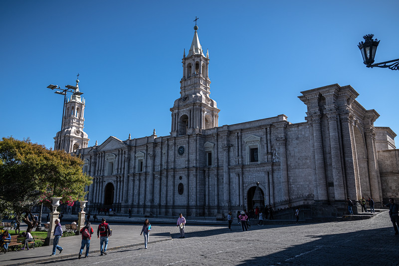 Arequipa - Basilica Cathedral - Plaza De Armas-8157.jpg