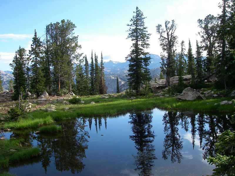 The most common approach is from the south - from Pinedale, WY and the end of 14.3 miles long Forest Road 101 above Fremont Lake: to the Pole Creek Trail, just beyond the Elkhart Park Ranger Station (9,300ft). We started early in the morning on Saturday August 7th, 2010.