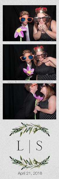 ELP0421 Lauren & Stephen wedding photobooth 102.jpg