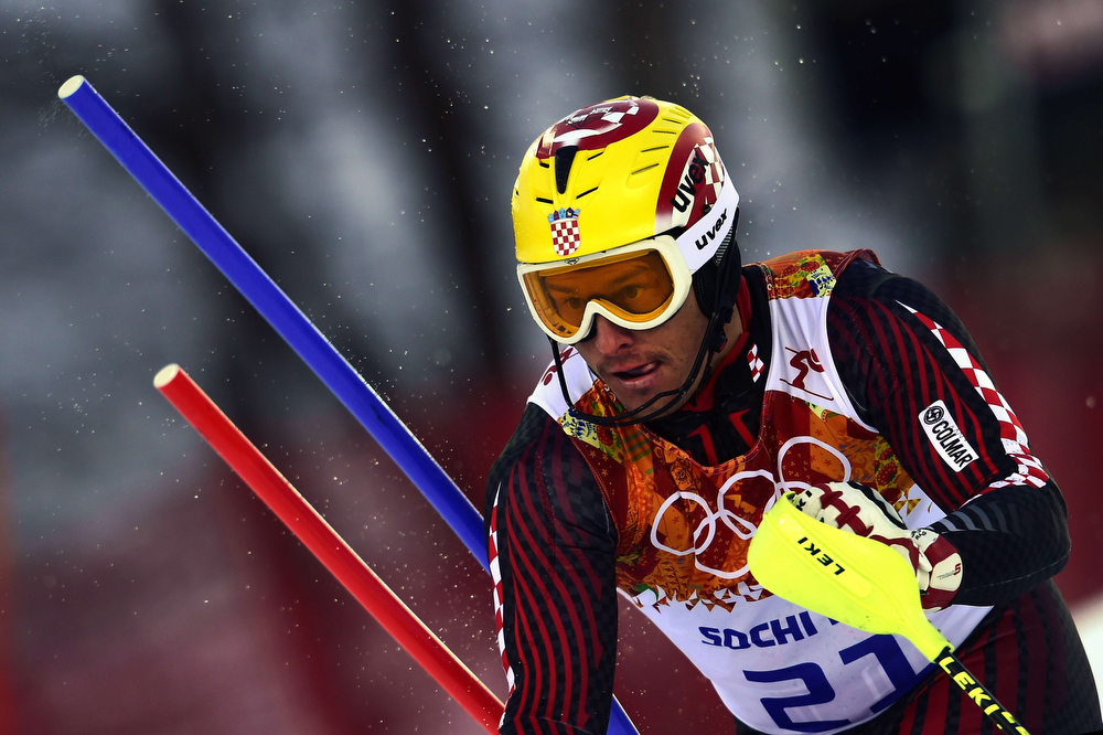 . Norway\'s Aksel Lund Svindal competes during the Men\'s Alpine Skiing Super Combined Slalom at the Rosa Khutor Alpine Center during the Sochi Winter Olympics on February 14, 2014. (OLIVIER MORIN/AFP/Getty Images)