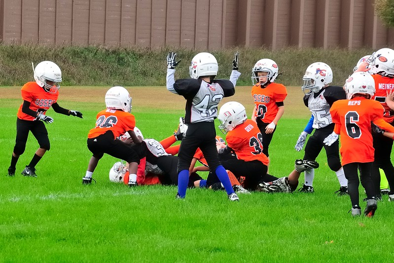 2017-10-07 Owen's Football Game - 3rd Grade 038.jpg