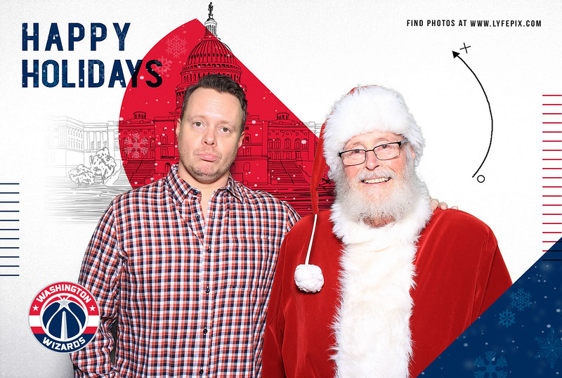 wash-wizards-2019-holiday-happy-hour-capital-one-arena-photobooth-181215.jpg