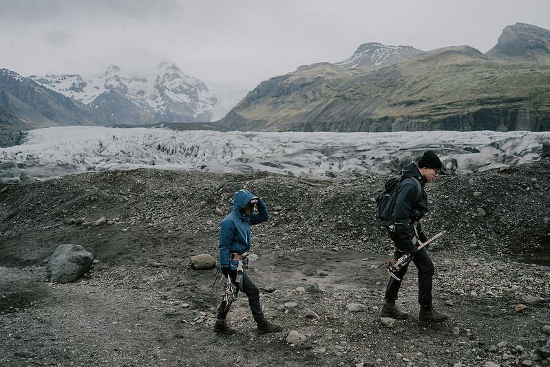 Tu-Nguyen-Destination-Wedding-Photographer-Iceland-Elopement-Fjaðrárgljúfur-16-167a-34.jpg