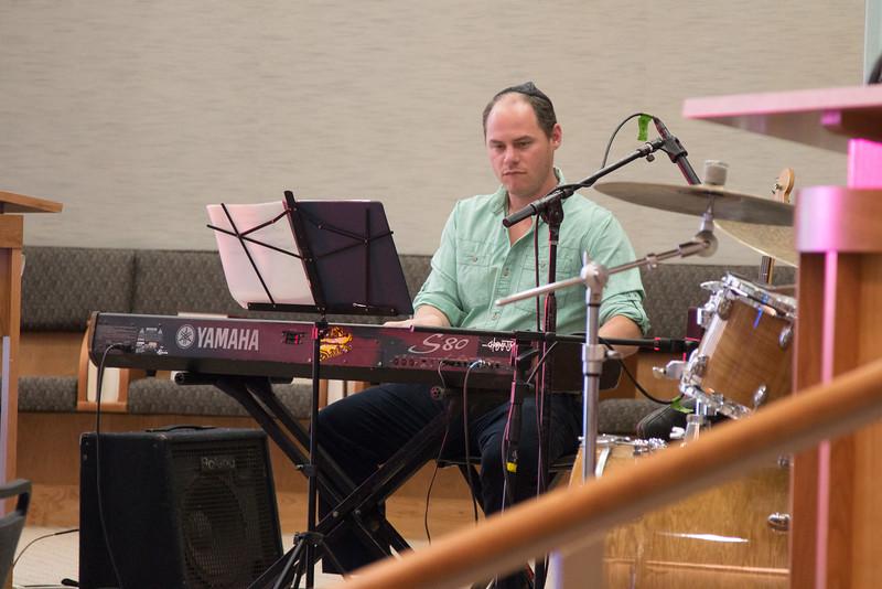 Loren Gildar, bass & keyboard -- Philadelphia's EZUZ with Jessi Roemer perform at Beth El, April 19, 2015