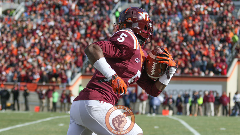 Cam Phillips runs unopposed towards the endzone in the second quarter. (Mark Umansky/TheKeyPlay.com