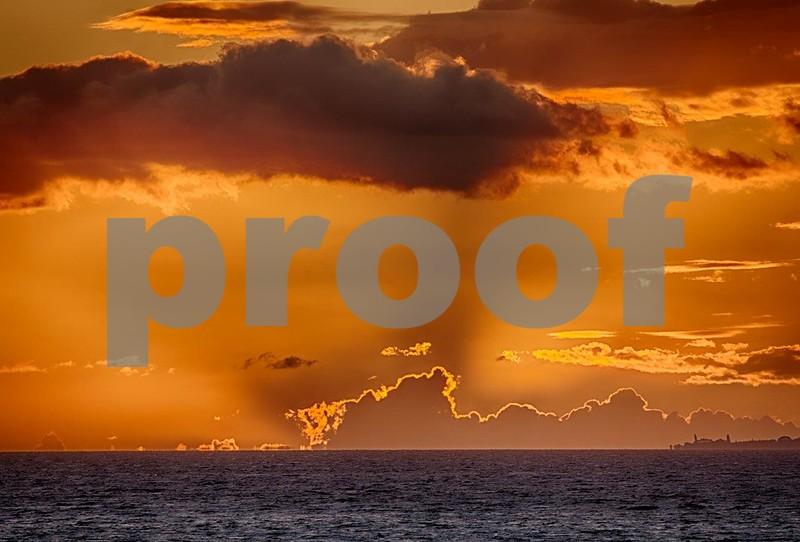 Maui sunset 9339_HDR.jpg