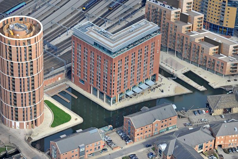 Leeds canal granary wharf aerial.jpg