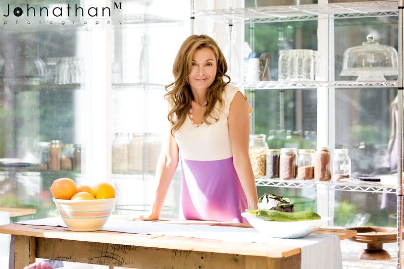 Lisa_Kitchen_3_sm.jpg