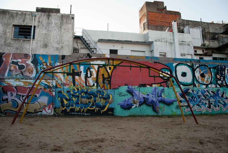 Buenos Aires Graffiti 254.jpg