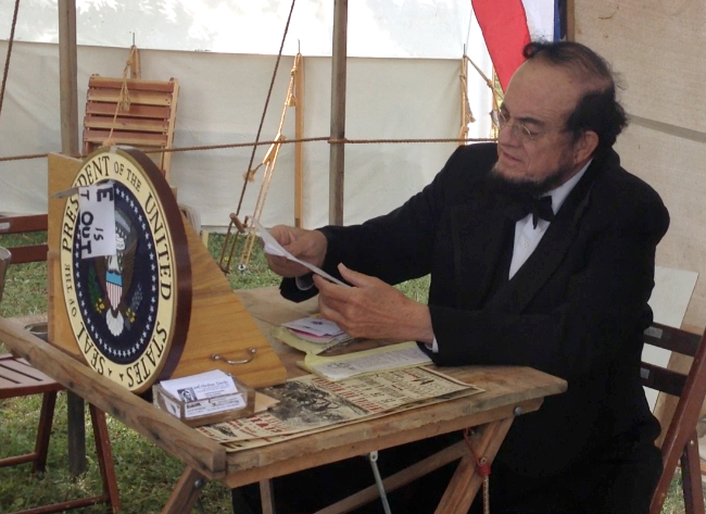 . Wayne L. Scott, an Abraham Lincoln impersonator -- who is related the the 16th president of the United States, is part of the American Civil War Association\'s battle and encampment at Roaring Camp Railroads in Felton, Calif., on Memorial Day weekend. (Christina Gullickson/Sentinel)
