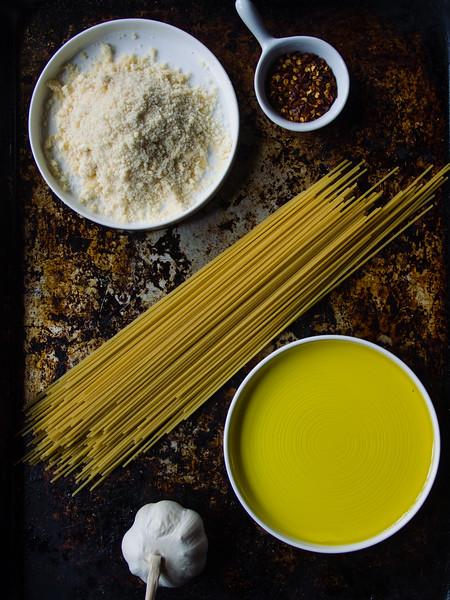 Spaghetti Aglio Olio ingredients.jpg