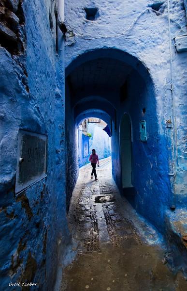 דמות במנהרה.jpg