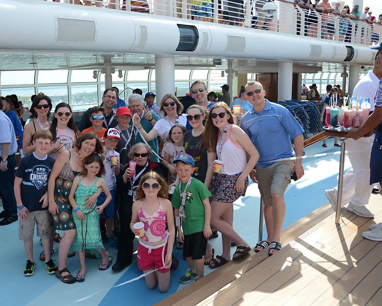 May - Disney Cruise with 22 Rafti!