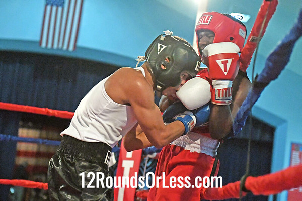 B8 Luis Burgos, BG, UBA -vs- DeShawn Green, RG, Cleve PAL/TM, 125#, Novice